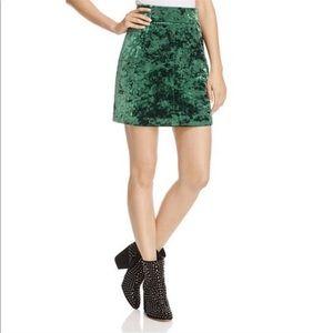 ❗️1 day sale❗️Sandro green velvet skirt